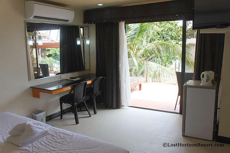 lost-horizon-beach-resort-suite-room-021