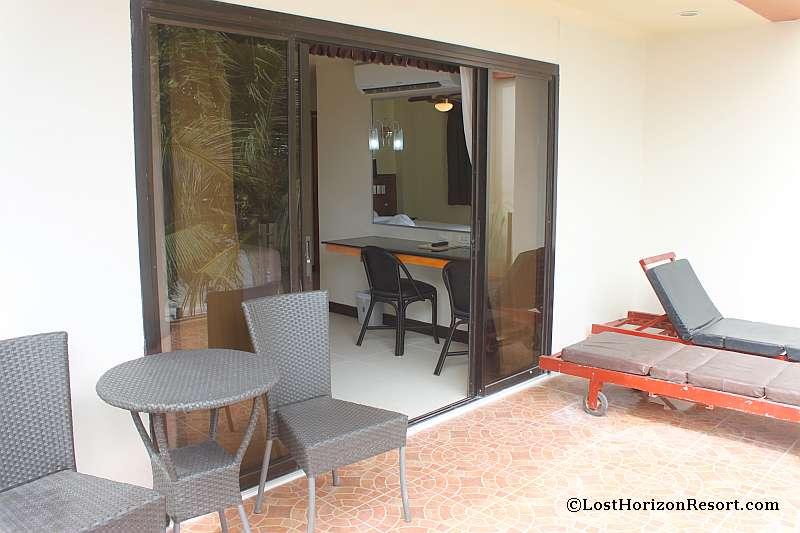 lost-horizon-beach-resort-suite-room-050