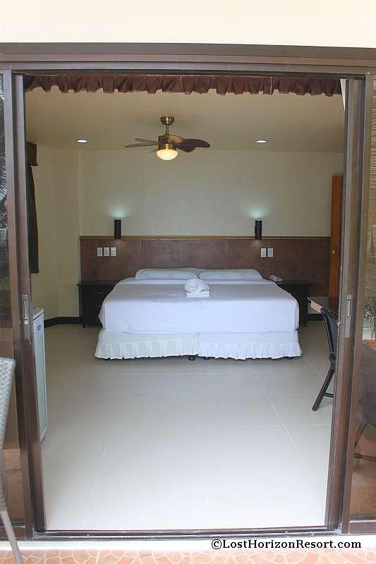 lost-horizon-beach-resort-suite-room-7