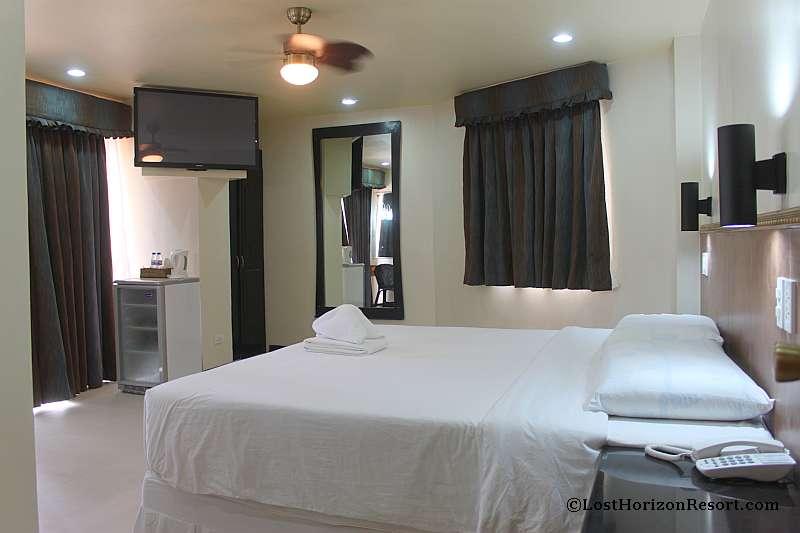 lost-horizon-beach-resort-suite-room-8