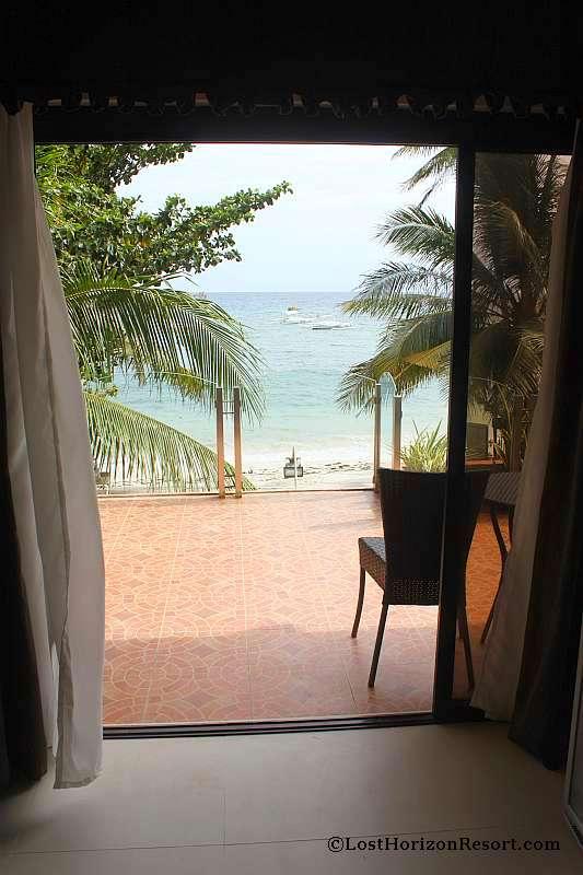 lost-horizon-beach-resort-suite-room-9